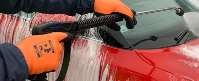 Using Baltic to wash car